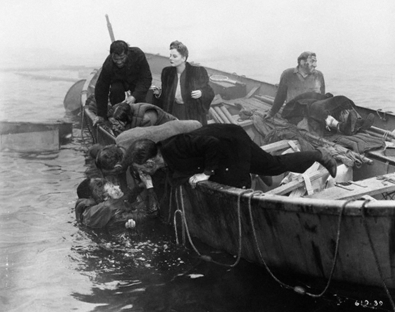 Prigionieri dell'oceano (Lifeboat) 1944