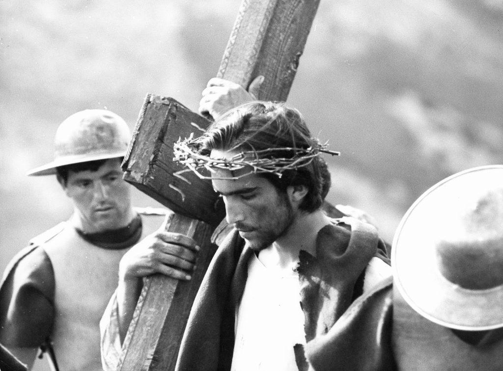 Il Vangelo secondo Matteo - Enrique Irazoqui in una scena del film
